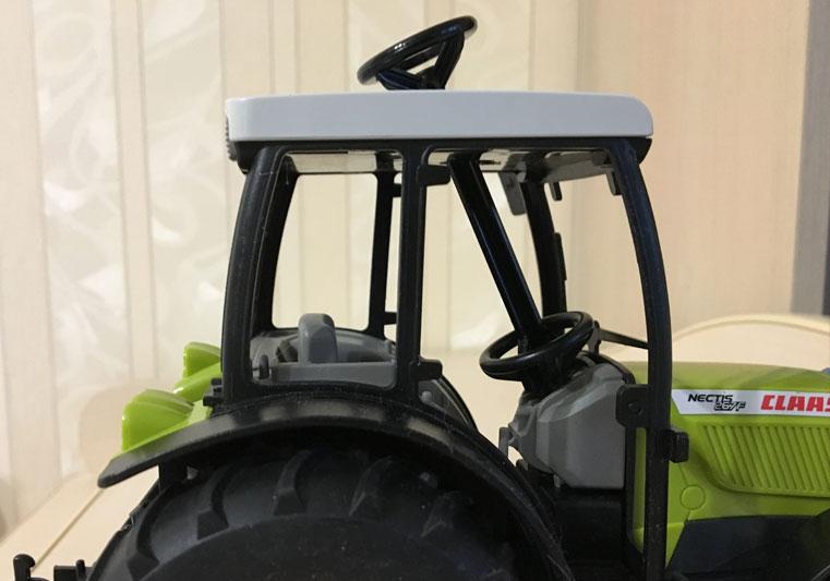 Трактор Bruder Claas-Nectis-267