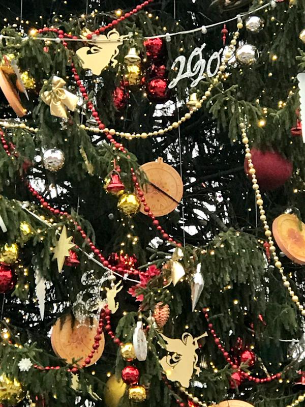 елка на Манежной